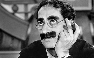De la reina bohemia al artista eximio: Isabel Estuardo y Groucho Marx