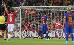 El campeón empieza con su último verdugo en el Camp Nou