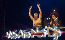 La música electrónica se apodera de la explanada de la Juventud el penúltimo día de Feria de Málaga