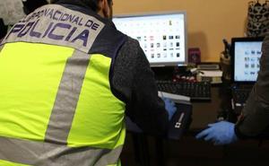Detienen a un cura en Málaga por supuesta posesión y distribución de pornografía infantil