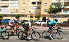 Directo | La 4ª etapa de la Vuelta abandona Málaga rumbo al Puerto de Alfácar