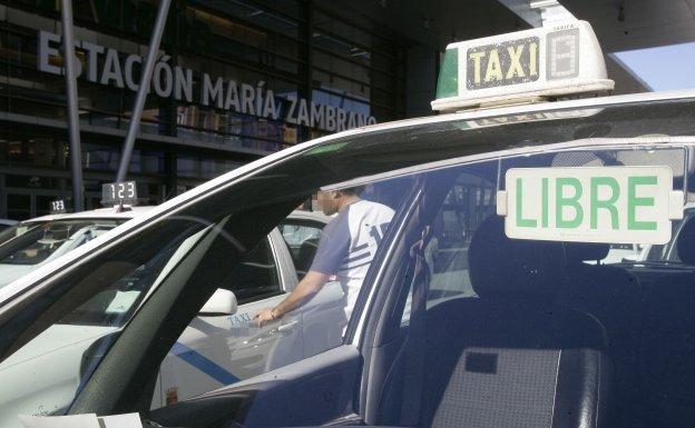 El taxi de Málaga se moviliza el próximo martes para exigir a la Junta normas más estrictas para las VTC