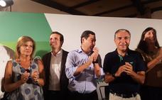 Pablo Casado alaba a Esperanza Oña y Francisco De la Torre en un discurso con sabor a precampaña