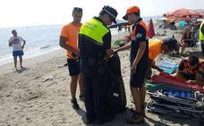 Bajan un 75% las retiradas de enseres por reservar espacios en las playas en Torrox