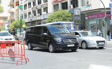 La Policía Local de Marbella denuncia a medio centenar de VTC en zonas turísticas en lo que va de verano
