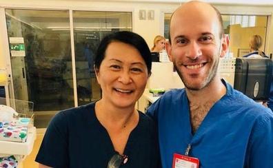 Una enfermera de California descubre que un compañero de trabajo es un bebé prematuro al que salvó hace 28 años