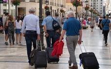 El ministro de Fomento dice que hay que poner «cierto orden» en los pisos turísticos