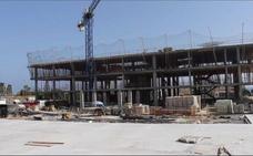 Ciudadanos llevará al Parlamento las prefabricadas junto a las obras del instituto de Torre de Benagalbón