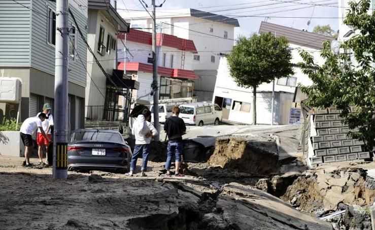 Un fuerte terremoto sacude el norte de Japón