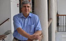 «Para curar el alzhéimer hay que saber por qué se destruyen las neuronas»