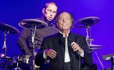 Julio Iglesias reaparece en concierto después de dos años sin cantar