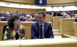 Sánchez descarta cesar a Montón: «Está haciendo un gran trabajo y lo va a seguir haciendo»