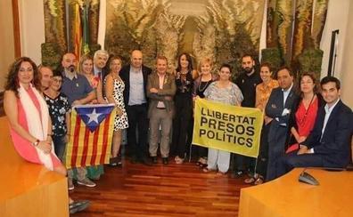 Sant Sarduní pide disculpas a la alcaldesa de Cañete por ser «víctima involuntaria» de la situación política en Cataluña