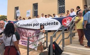 Los médicos de familia de Málaga dedican una media de seis minutos a cada paciente