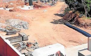 Fuengirola pide a la Junta que concrete la obra en la que habría una fosa común