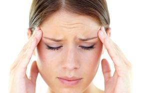 Un 3% de las personas que sufren migraña cronifica cada año su enfermedad por no acudir al médico