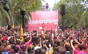 El himno de España rompe el minuto de silencio de una manifestación independentista
