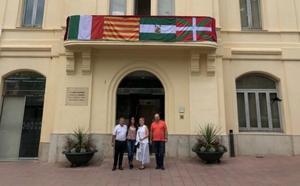 Sant Sadurní pide disculpas a la alcaldesa de Cañete por la polémica de las pancartas durante su pregón
