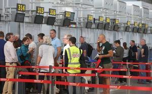 El aeropuerto de Málaga pierde pasajeros en agosto por primera vez en nueve años