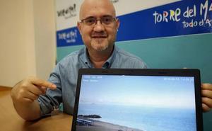 Vélez-Málaga instala una cámara que ofrece imágenes en directo de la playa de Torre del Mar