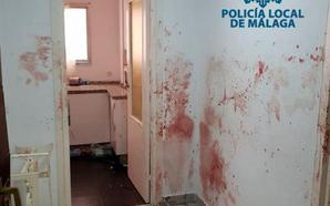 Entran por la fuerza en un piso de calle Salitre para auxiliar a un hombre fuera de sí que se autolesionaba «brutalmente»