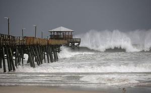 'Florence' ya manda en la costa Este