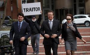 Golpe a Trump al colaborar su exjefe de campaña en la pesquisa sobre la trama rusa