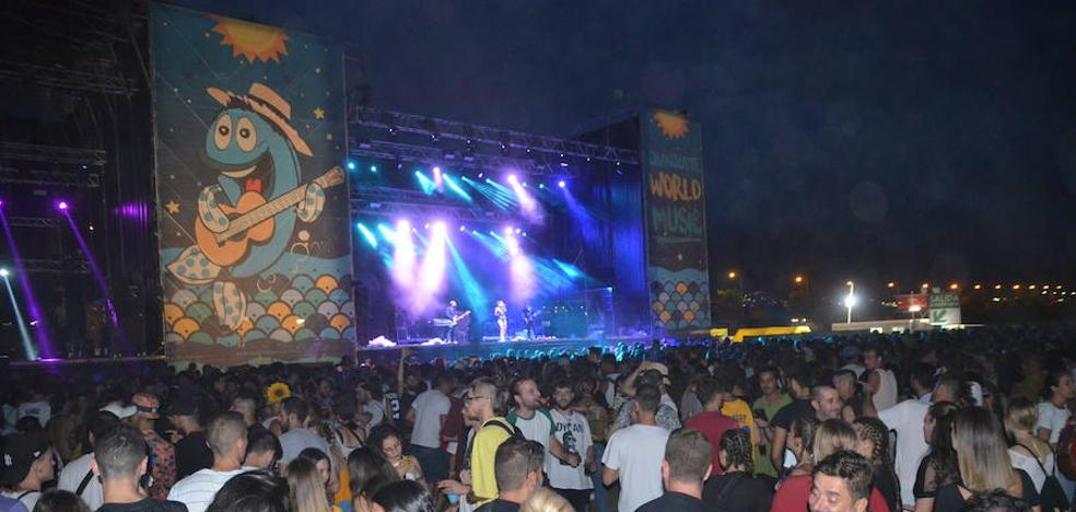 Cerca de 10.000 personas disfrutan del tercer festival Chanquete en Nerja