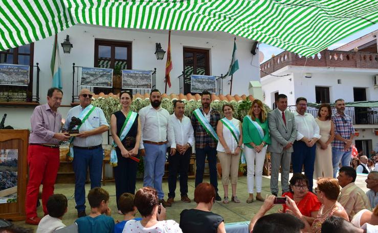 Susana Díaz, entre los premiados en el Día de la Pasa