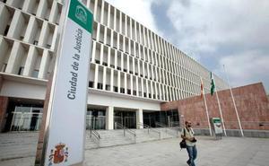 Tres condenados en Málaga por disponer de todo el dinero de un familiar de 77 años