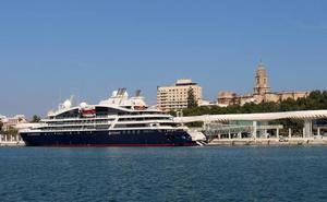 El exclusivo crucero 'Le Lapérouse' visita por primera vez el puerto de Málaga
