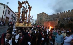 La Patrona Santa Eufemia procesionó alterando su recorrido por la lluvia en Antequera