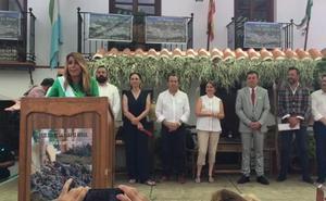Susana Díaz se suma a la fiesta de la pasa en El Borge