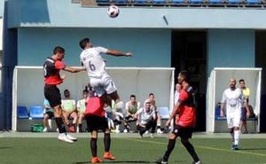El Vélez sufre para ganar ante un San Pedro al que le faltó gol