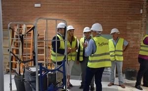 El SAS contrata médicos, hace obras de reforma y compra equipos para mejorar los centros de salud de Málaga