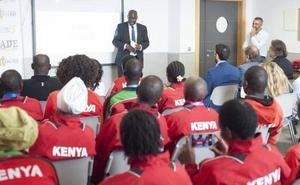 Homenaje y reconocimiento al atletismo keniano en EADE