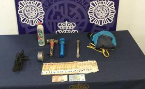 Prisión por atracar con casco, peluca y pasamontañas el chalet de un antiguo compañero de trabajo en Torremolinos