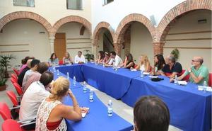 Marbella destinará un millón de euros a un plan de mantenimiento de colegios durante todo el curso