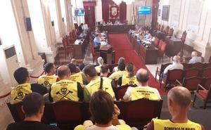 Bronca en el salón de plenos de Málaga a cuenta del conflicto de Bomberos