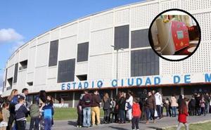 Reaniman a un hombre que entró en parada cardiaca con el desfibrilador del Palacio de Deportes