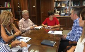 María Gámez se reúne con los sindicatos policiales en Málaga