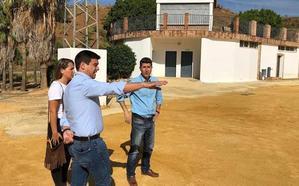 La Diputación invierte 300.000 euros en un campo de fútbol de césped artificial en Guaro