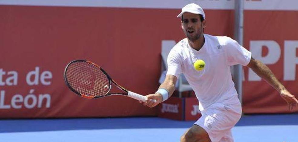 Adrián Menéndez cede en la primera ronda en el ATP 250 de San Petersburgo
