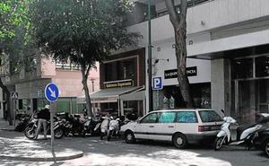 Detenido por agredir a su mujer y robarle un bolso con joyas y más de 2.200 euros en efectivo en Málaga