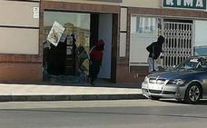 Asaltan tres veces en apenas dos meses la misma tienda de telefonía en Campillos