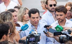 Juanma Moreno afirma que lo «lógico y natural» es que sea candidato por Málaga