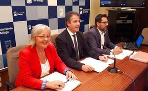 La edil Teresa Porras y el gerente de Urbanismo desmienten diez días después las acusaciones de dos exjefes de inspección urbanística