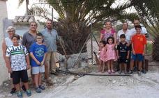 Los vecinos sin agua de Alhaurín de la Torre piden ayuda al Defensor del Pueblo