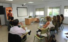El número de alumnos se estanca en la Escuela de Idiomas, que inicia el curso con plazas libres en todas las lenguas