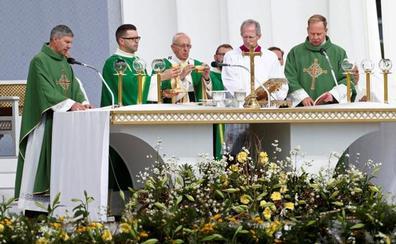 El Papa clama en el bastión católico de Lituania contra los horrores de la ocupación nazi y soviética